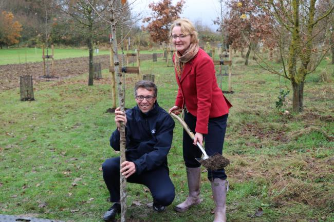 Adam Dunnett, amenity sales director at Hillier and Philippa Rawlinson, managing director, National Memorial Arboretum.